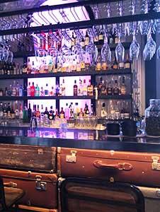 Bar/Natklub